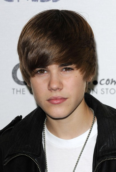 justin bieber cut his hair off. I want to cut his hair!