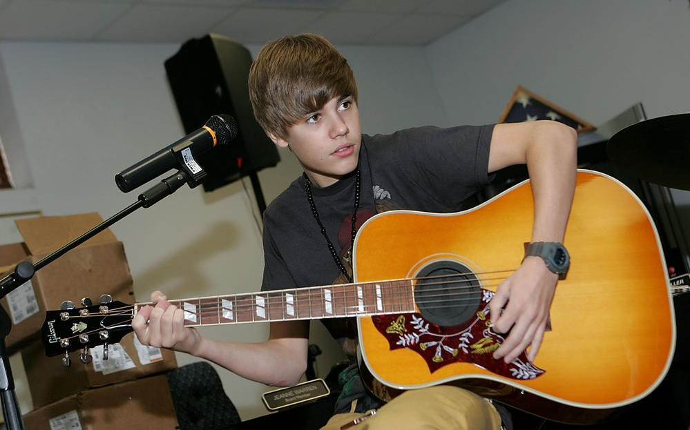 justin bieber 2011 tour dates in texas. JUSTIN BIEBER, the Canadian